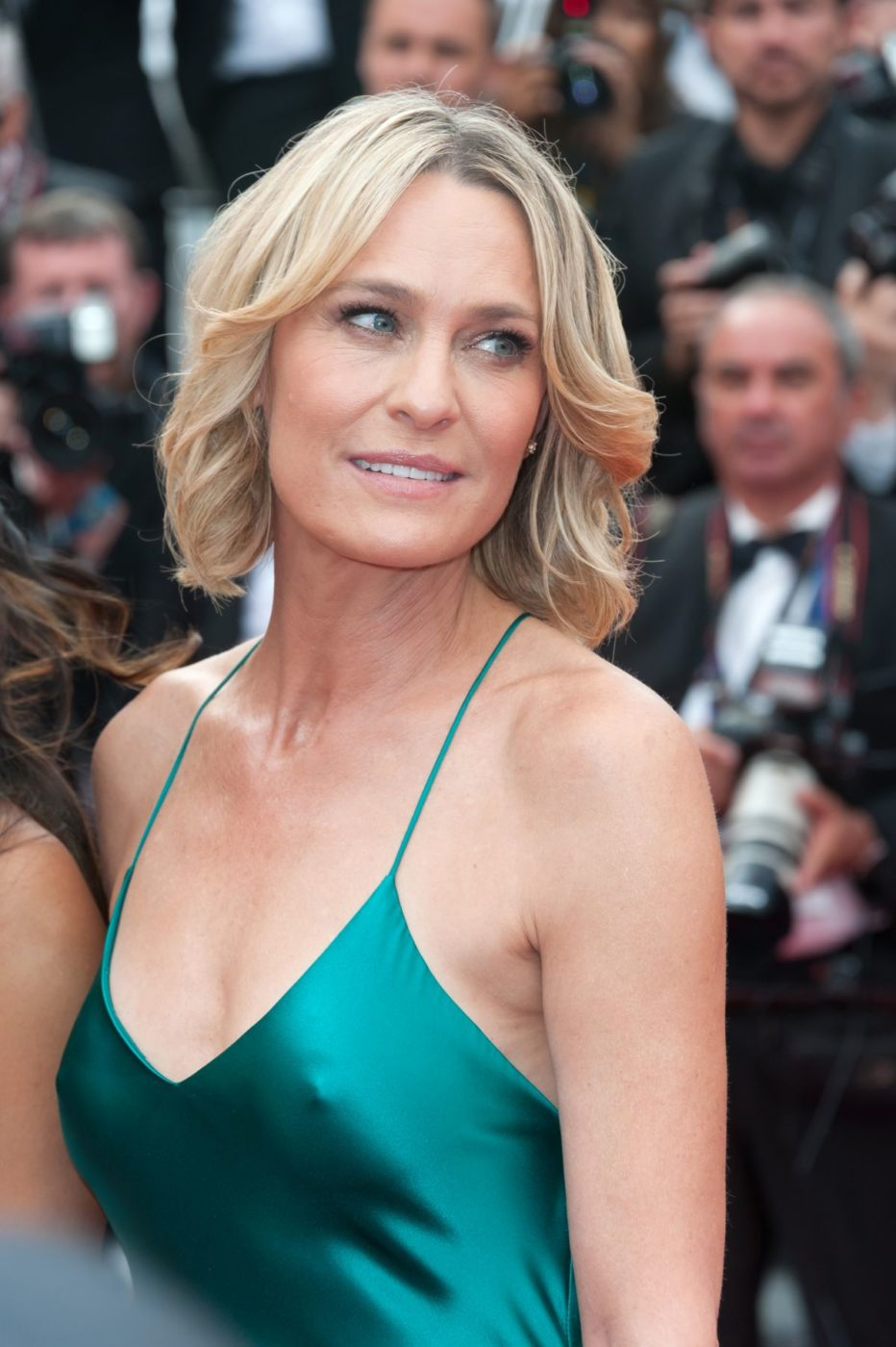 robin-wright-penn-at-cannes-film-festival-loveless-screening_3